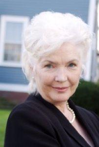 Mrs. Kellogg (Finnula Flanagan)