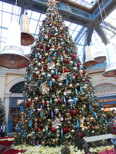 This huge tree with the humungous bells hanging around it was a focal point of many photos from what we observed.