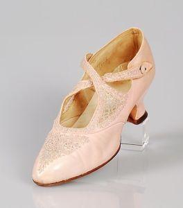 1906 shoe 1